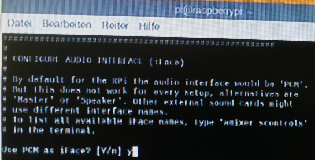 Stellt auf Analog Audio um und bestätigt PCM als das Interface.
