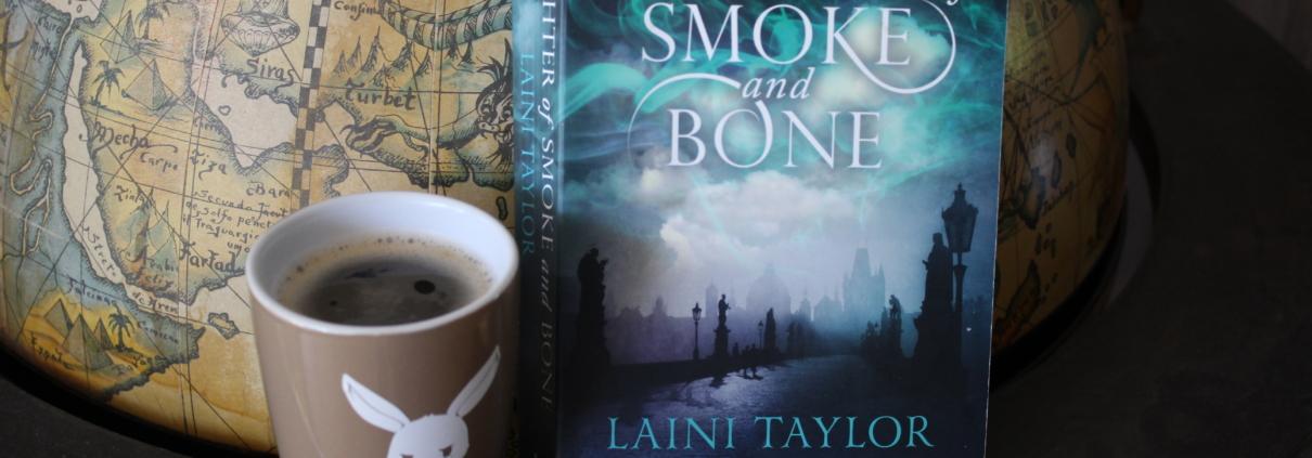 """Daughter of Smoke and Bone - das erste Buch der Fantasy Reihe """"Zwischen den Welten"""""""